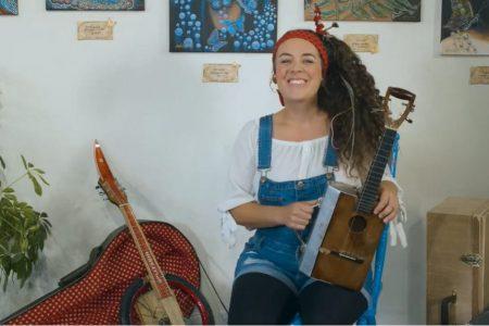 Ariane DesLions, fabricoleuse de chansons
